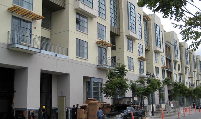 Edgewater, facade